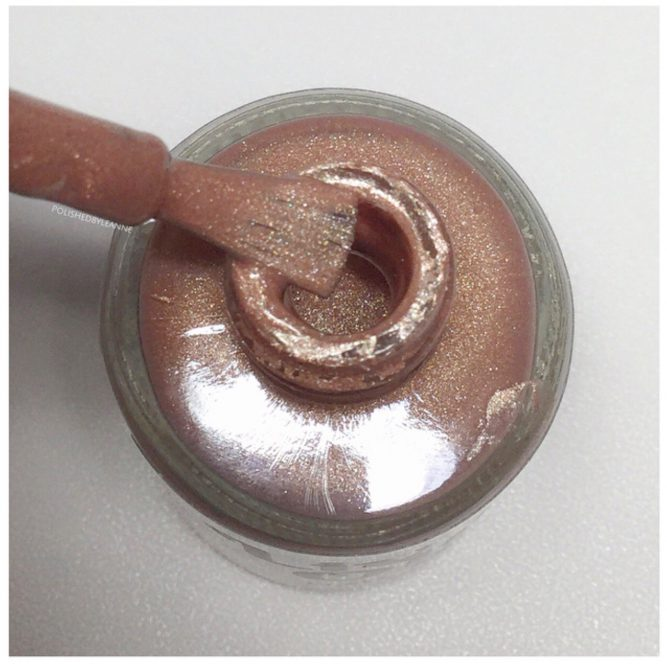 Silk-chocolate-bottle-macro