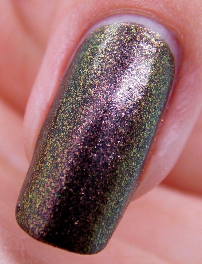 Cleopatra-Nail-Macro