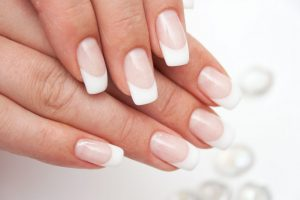 Livoliv easy nail art French manicure design