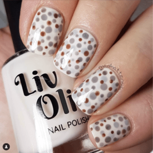 Livoliv easy nail art polka dot design
